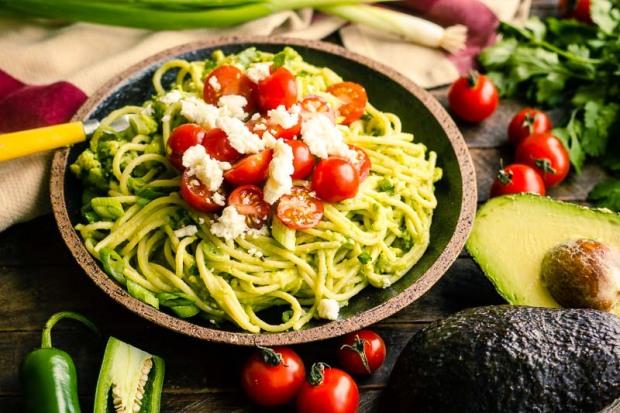 Spicy-Avocado-Pasta vegan & gesund Ernährung fit frisch schaffhausen